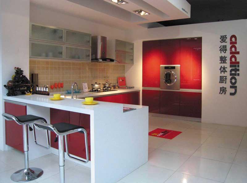爱得整体厨房-巴黎简红橱柜效果图