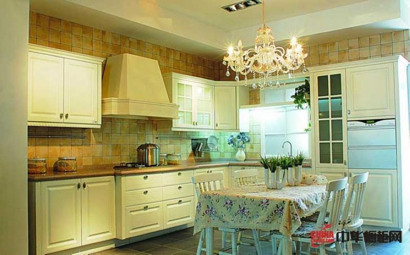 田园风格整体橱柜效果图 白色烤漆实木橱柜设计图