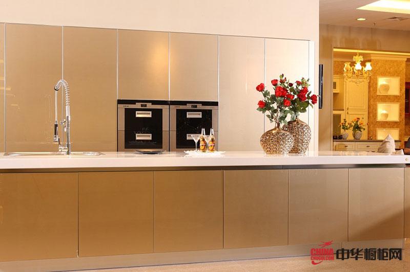 宇多集成家居橱柜图片香槟海岸——香槟色烤漆整体橱柜图片 简约风格厨房装修效果图创造出精彩缤纷的完美时刻