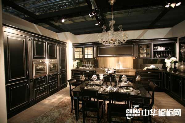 黑色整体橱柜效果图 圣丽宅配整体橱柜产品卢森堡 欧式古典风格橱柜图片