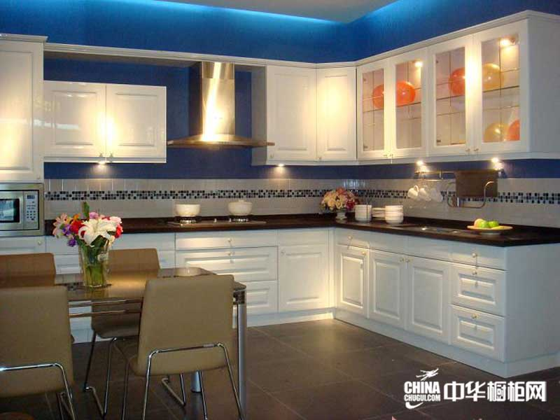 2012最新款整体橱柜图片——简约风格新恒星橱柜图片 白色系列整体橱柜装修效果图