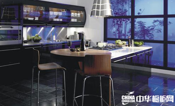 黑色烤漆整体橱柜 英国jtc橱柜整体橱柜产品 现代简约风格
