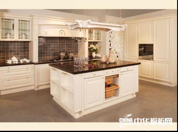 奶黄色整体橱柜效果图 博西尼橱柜整体橱柜产品 古典风格橱柜图片