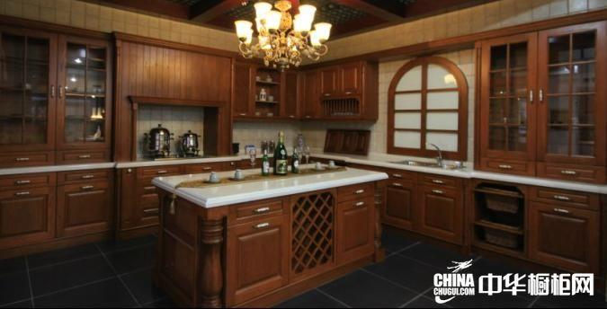 欧式经典整体橱柜装修效果图 古典风格厨柜效果图