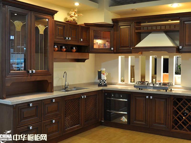 卓雅迪尼橱柜图片 古典风格实木橱柜图片欣赏