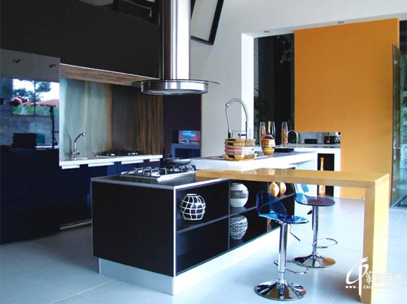 双面烤漆橱柜厨房橱柜效果图