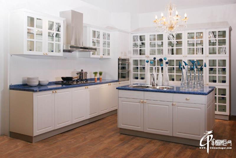 正华厨柜欧式厨房家装效果图