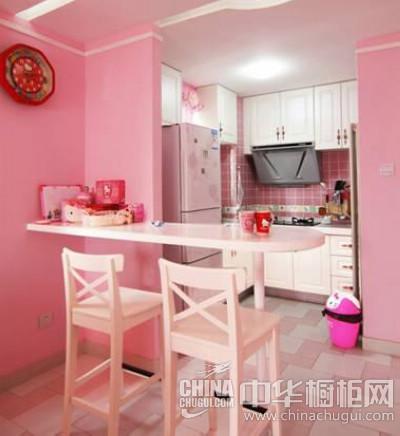 可爱的私密空间,虽然很多人喜欢将粉红色用在房间中,来泛滥自己的少女