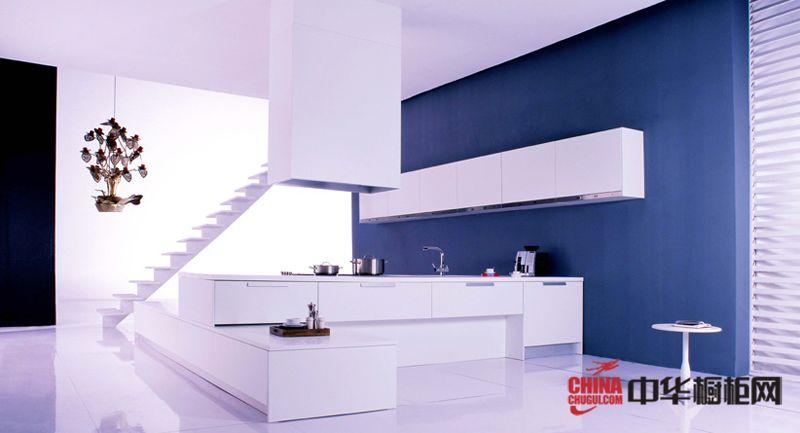 科宝博洛尼橱柜图片 白色烤漆整体橱柜效果图