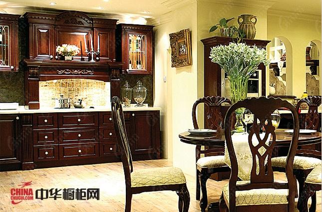古典风格实木橱柜图片 威尼斯空间厨房装修效果图