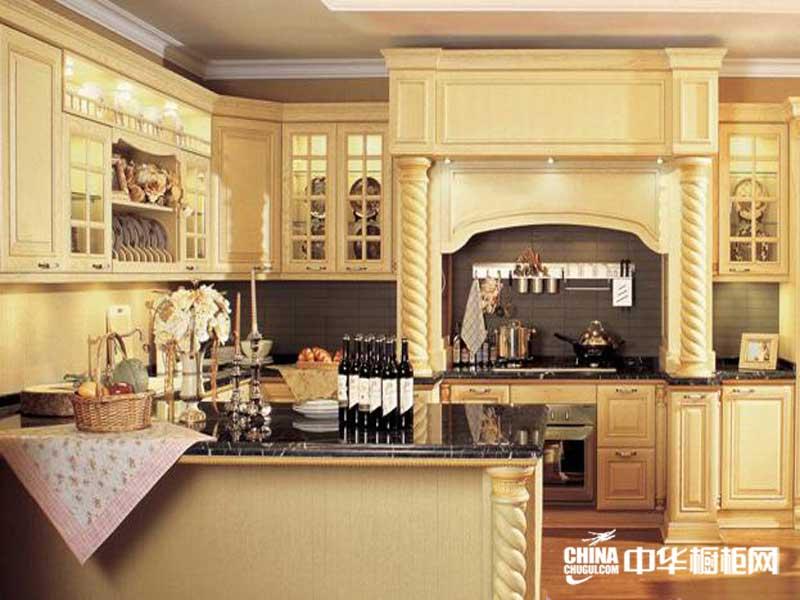奶黄色实木整体橱柜图片 佳居乐橱柜整体橱柜产品图王者归来 欧式古典风整体橱柜装修效果图