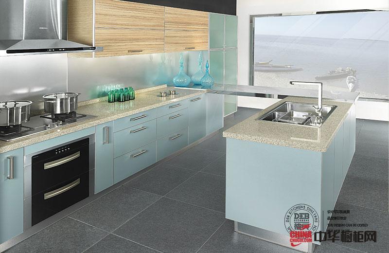 设计风格:现代简约风格 风格特点:这是一款设计感强的产品,主色调采用湖蓝冷色调,让厨房空间显得简单、明快。在加上一定比例的暖色,提高整个空间柔和度,就像冬日的早晨,光阳透过门窗照射进室内的情景... -->