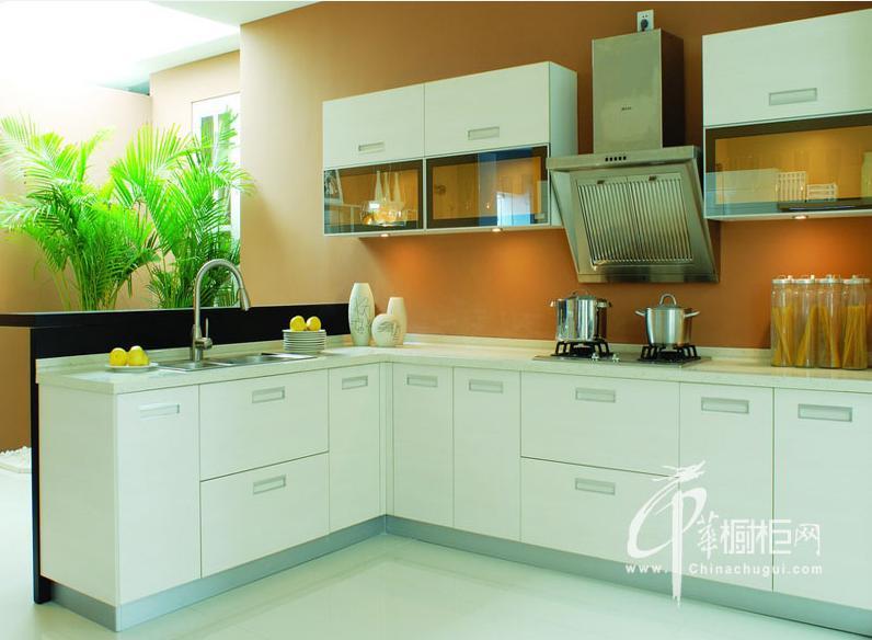 简约风格志邦橱柜图片 白色烤漆整体橱柜效果图