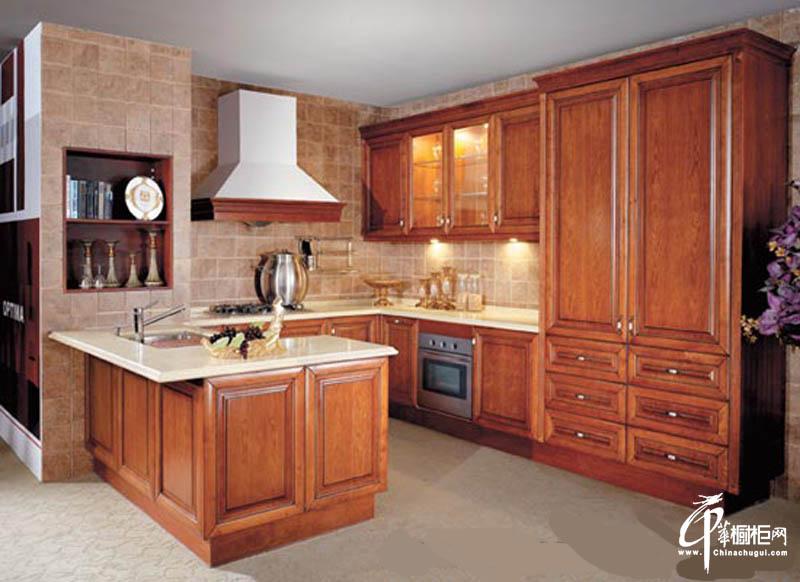 欧式厨房装修实木橱柜效果图
