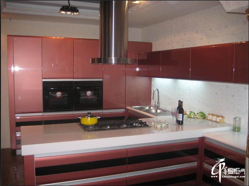 蒙特卡罗烤漆板橱柜效果图