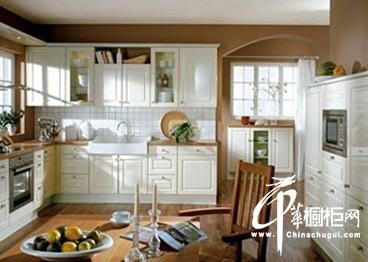橱柜导购:田园风格橱柜 演绎乡村清新厨房
