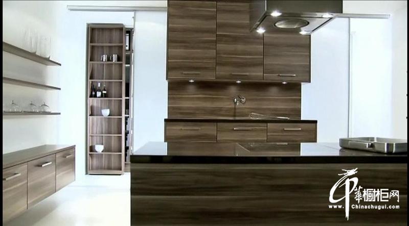 现代时尚橱柜设计效果图片展示棱角分明的时尚厨房