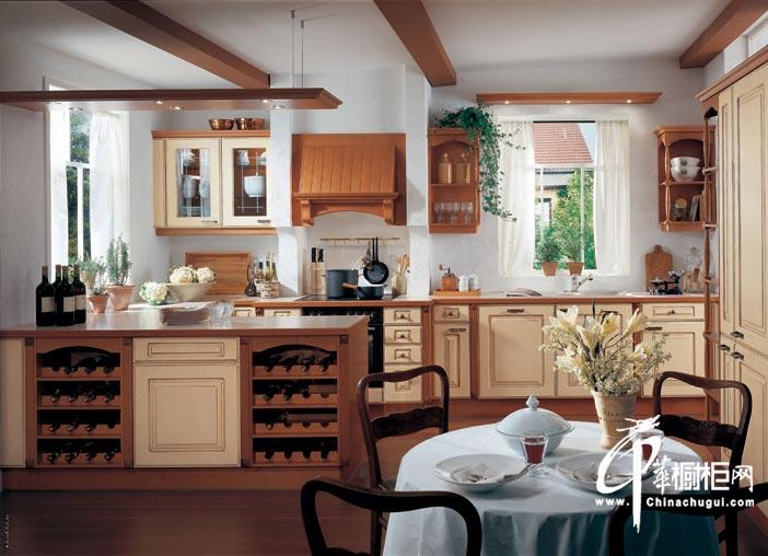 美式田园风格整体橱柜设计效果图 豪放的实木橱柜彰显个性