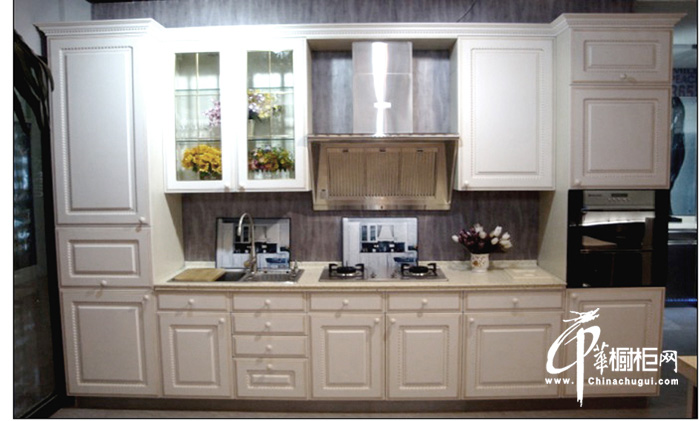 欧式白色实木整体橱柜设计图片欣赏
