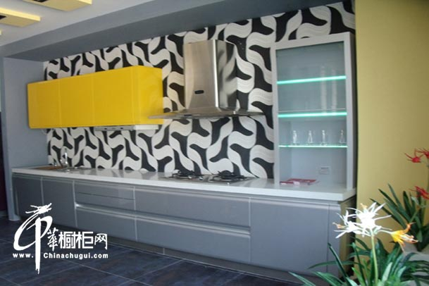 整体橱柜装修设计图片 厨房空间大气中透着时尚