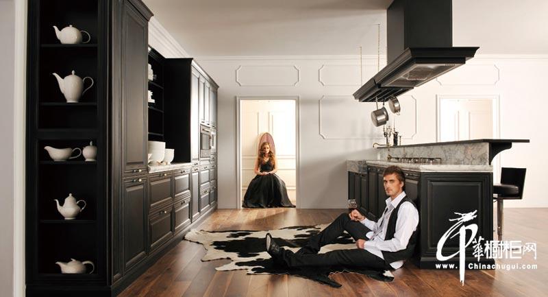 欧式古典厨房橱柜装修图片 品味古典气息的绝尘绽放