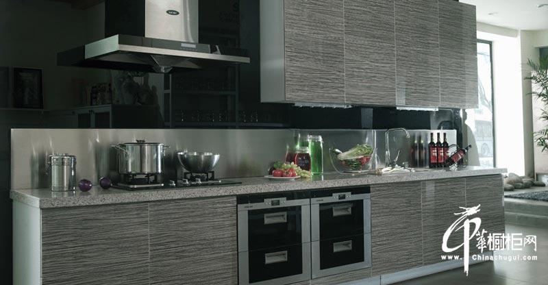 黑灰色一字型整体橱柜装修效果图 现代简约风格小厨房