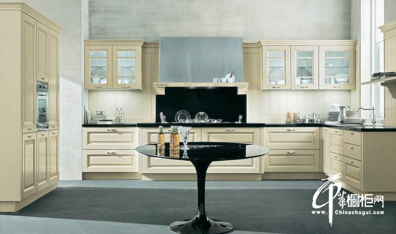 u型欧式实木橱柜图片 米白色厨房装修效果图展示