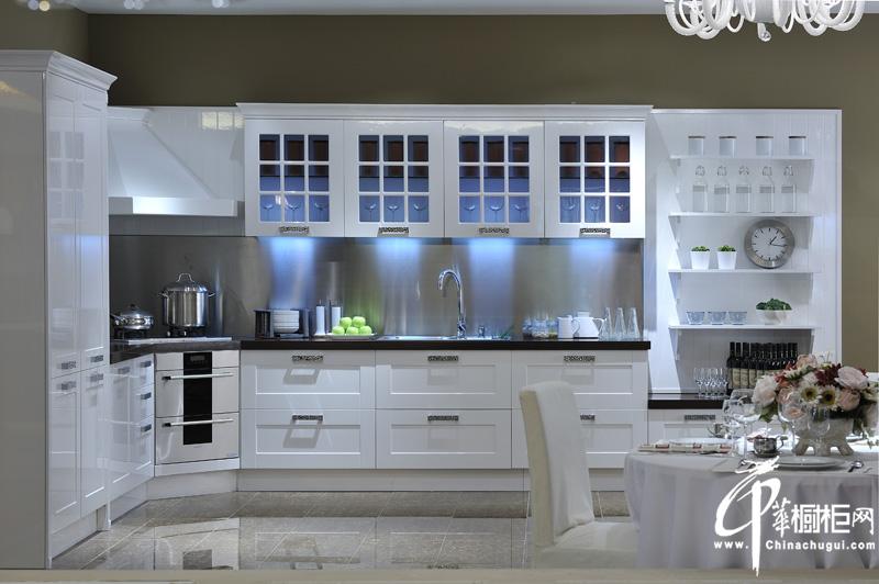 白色烤漆橱柜图片|整体橱柜装修设计效果图|厨房装修效果图大全2012图片