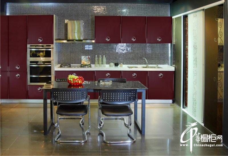不锈钢烤漆橱柜装修图片 一字型小厨房装修效果图大全