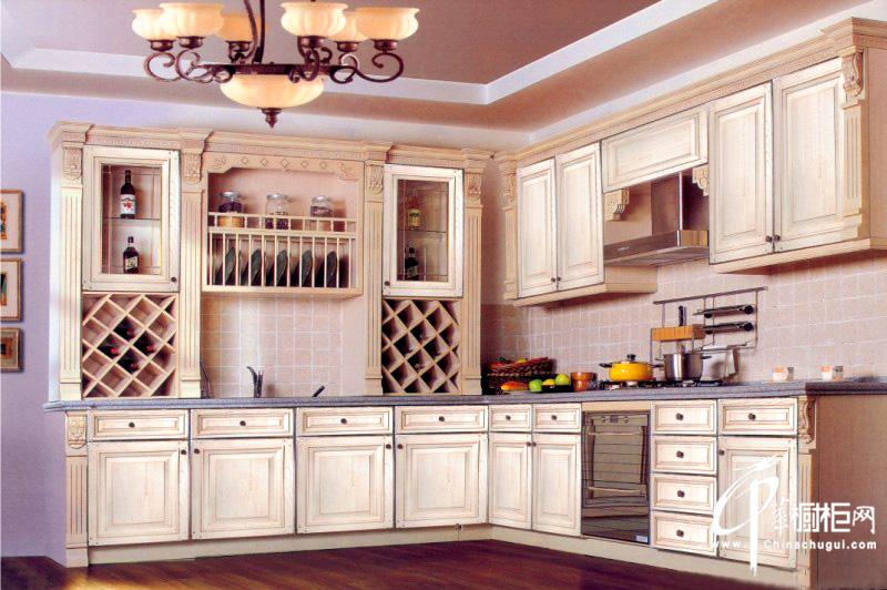 欧式田园风格整体橱柜装修图片 整体厨房装修效果图展现自然风味