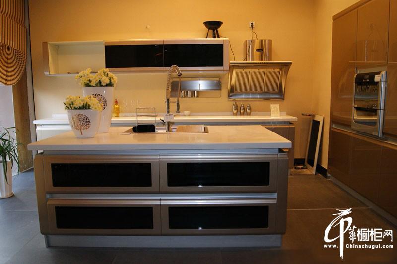 烤漆橱柜装修实景图 厨房装修样板间 厨房装修效果图大全2011图片