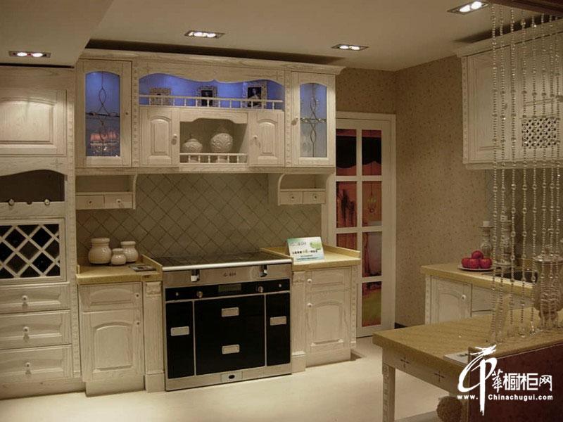 白色欧式橱柜设计图片 开放式厨房装修效果图欣赏