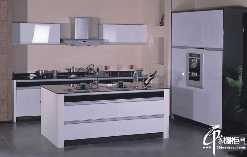 白色橱柜设计效果图|整体橱柜装修图片 简约厨房装修效果图展现宁静