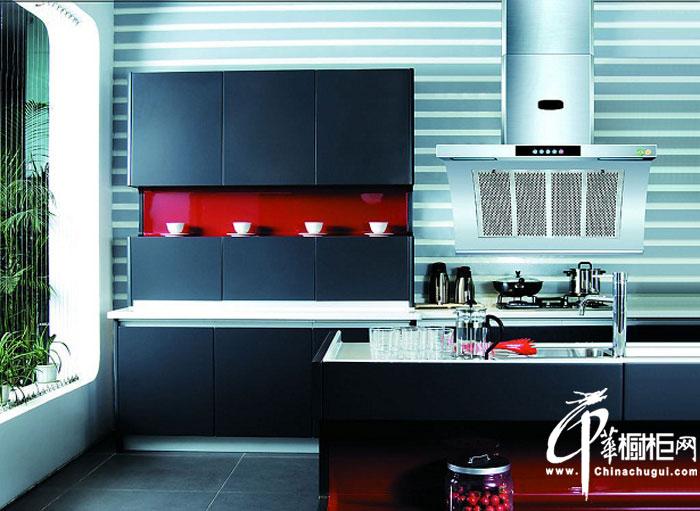 现代简约风格橱柜装修图片 打造时尚大气的80后男人的厨房装修效果图