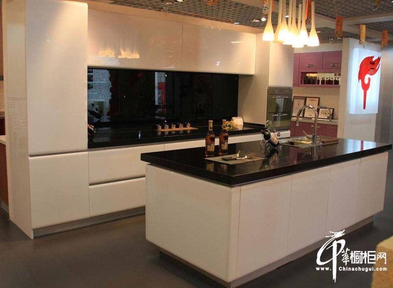 豪华欧式橱柜装修效果图 厨房装修效果图大全2012图片