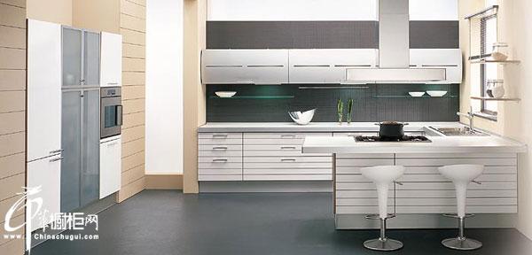 白色古典整体橱柜设计效果图 白色美式橱柜尽显优雅的浪漫