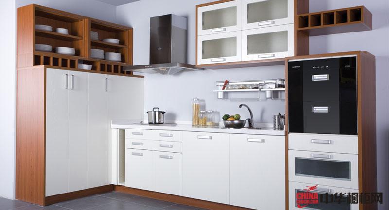 小厨房装修效果图大全 白色整体橱柜设计图片展示小家碧玉情怀