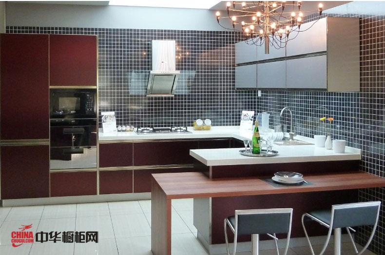 维罗纳——简约风格整体橱柜设计效果图 u型厨房装修设计打造厨餐一体