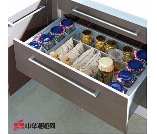 實用廚房櫥柜抽屜收納好方法賞析