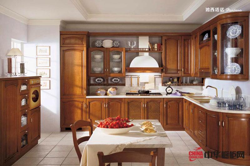 波西塔塔——欧式古典风格整体橱柜装修效果图 U型厨房装修效果图展示人生历程的沉积