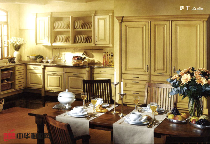 实木橱柜图片欣赏 最新欧式古典风格厨房装修效果图大全2012图片