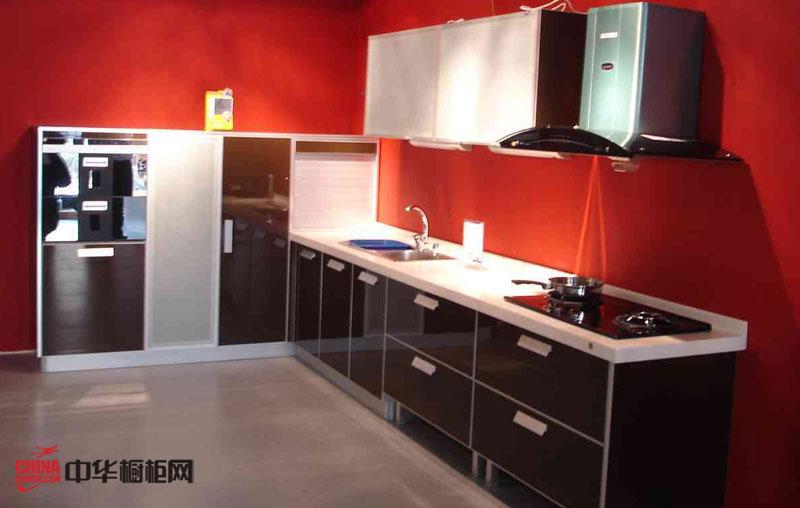 整体橱柜装修设计效果图 咖啡色烤漆橱柜图片