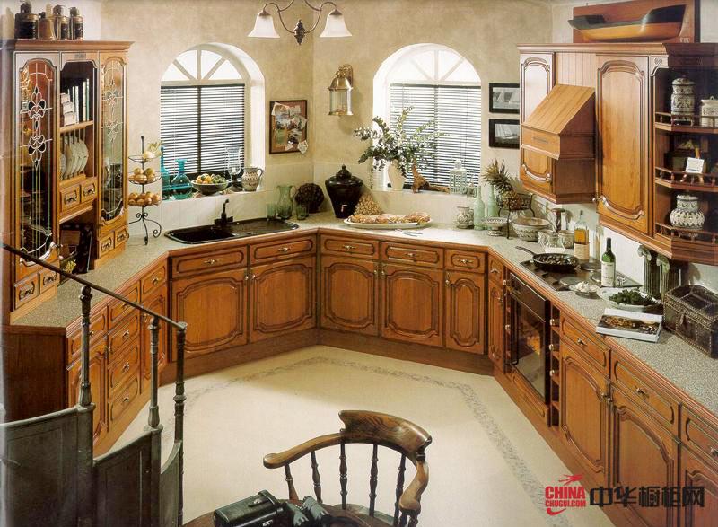 古色古香——田园风格厨房装修效果图 U型整体橱柜设计效果图