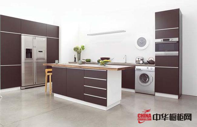 2012年橱柜十大品牌褐色整体橱柜图片|整体橱柜效果图 现代简约风格厨房装修效果图大全2012图片诠释明净淡雅