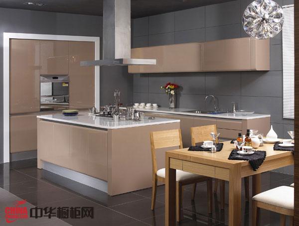 香槟色烤漆整体橱柜图片 2012橱柜图片 简约风格整体厨房橱柜装修效果图大全