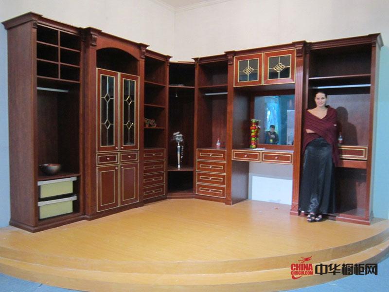 德洛尼橱柜实木衣柜图片 衣柜实景图欣赏
