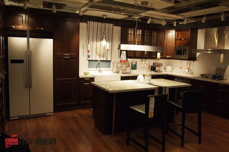 美式乡村风格厨房橱柜图片 整体橱柜装修效果图 豪放的开放式厨房装修效果图大全2012图片
