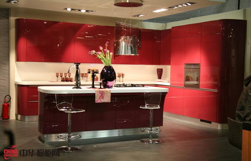 2012年三乐橱柜图片 红色烤漆橱柜图片——不锈钢橱柜图片 简约风格整体橱柜装修效果图欣赏