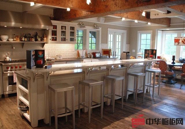 古典风格整体橱柜图片 实木橱柜图片 整体橱柜效果图展现美式厨房装修的豪气