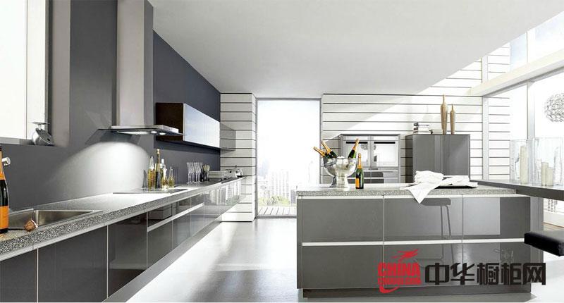 浅灰色亮面烤漆橱柜图片-简约风格整体橱柜图片-厨房装修效果图大全2012图片欣赏